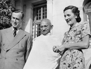 Mountbattens_with_Gandhi_