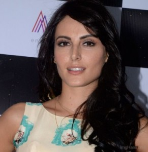 Mandana karimi||Age|Height|Born|Personal Life|Boyfriend|Measurement|Status|big boss season 9|bra size|waist|