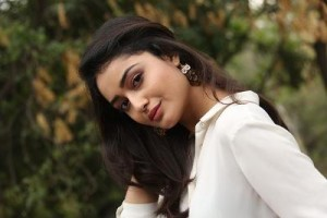 Biography of Tridha Chaudhary_Dehleez swathinta|age|weight|biography